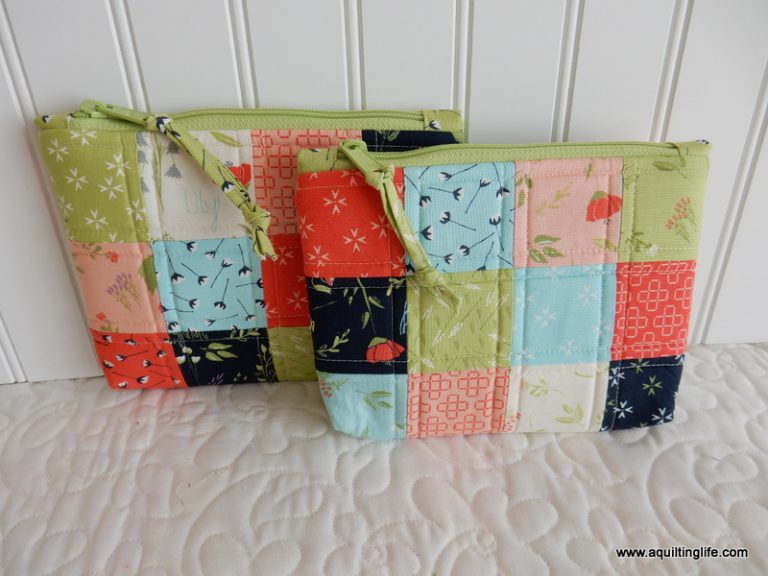 Patchwork Bag Tutorial featured by top US quilting blog, A Quilting Life: image of pretty patchwork bag