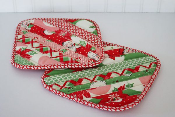String Block Quilted Potholder Tutorial featured by Top US Quilting Blog, A Quilting Life